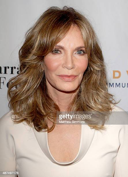 Long Foyer Age : Jaclyn smith photos et images de collection getty