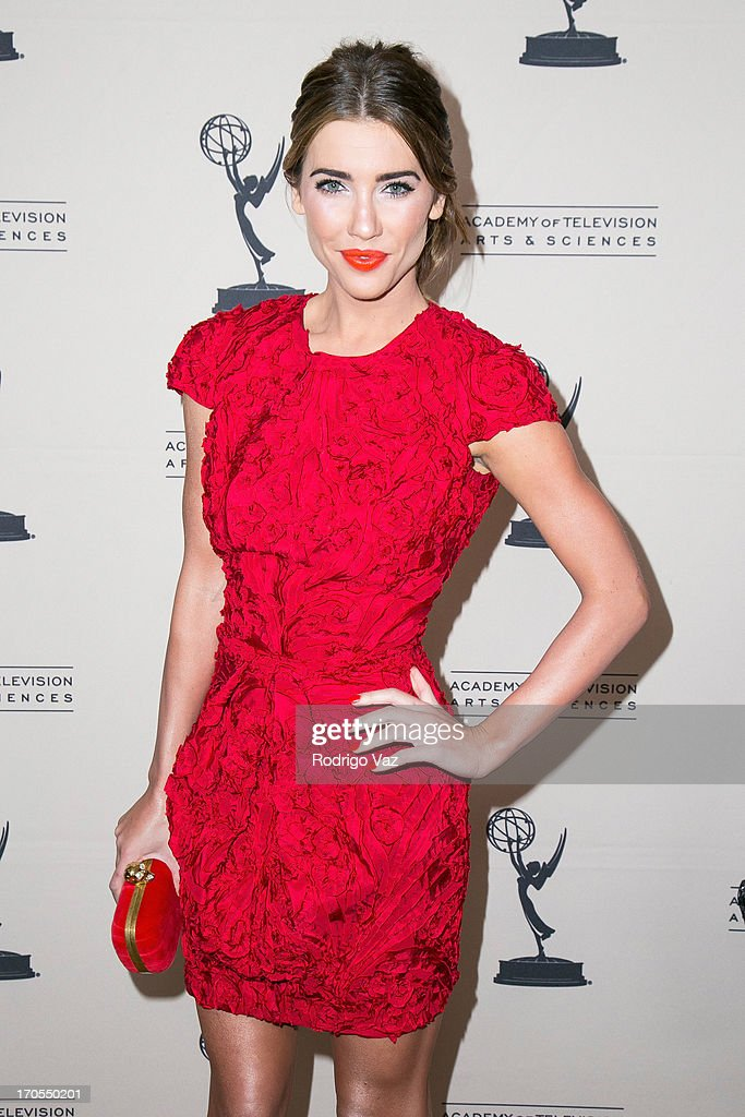 Actress <a gi-track='captionPersonalityLinkClicked' href=/galleries/search?phrase=Jacqueline+MacInnes+Wood&family=editorial&specificpeople=5384852 ng-click='$event.stopPropagation()'>Jacqueline MacInnes Wood</a> arrives at the 40th Annual Daytime Emmy Nominees Cocktail Reception at Montage Beverly Hills on June 13, 2013 in Beverly Hills, California.