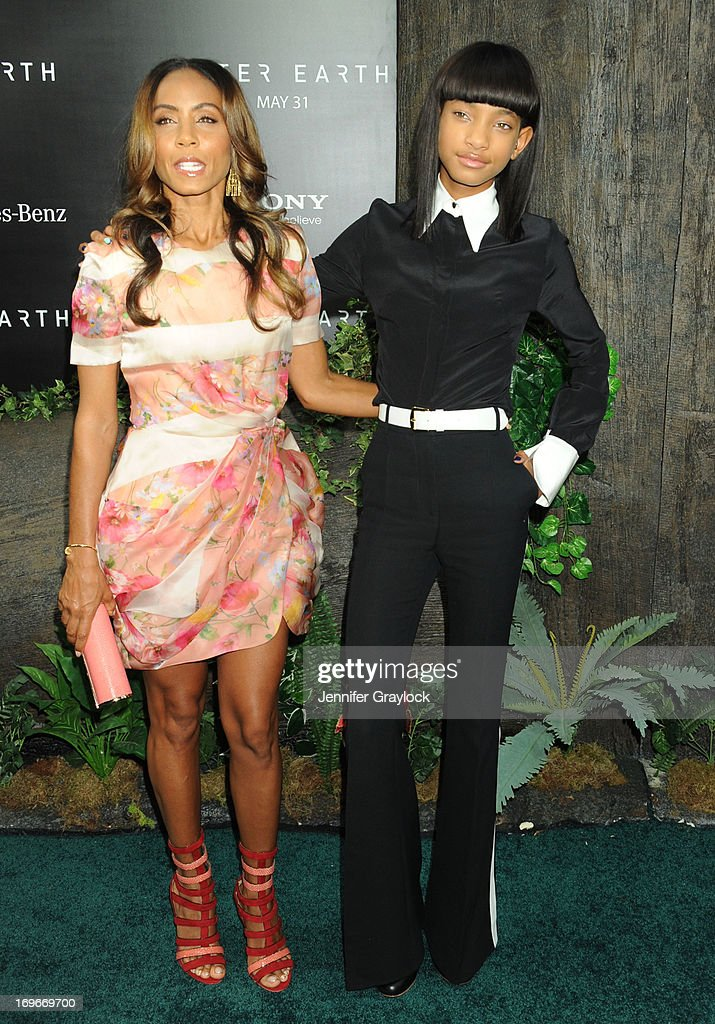 Actress Jada Pinkett Smith and daughter Willow Smith attends the 'After Earth' premiere at Ziegfeld Theater on May 29, 2013 in New York City.