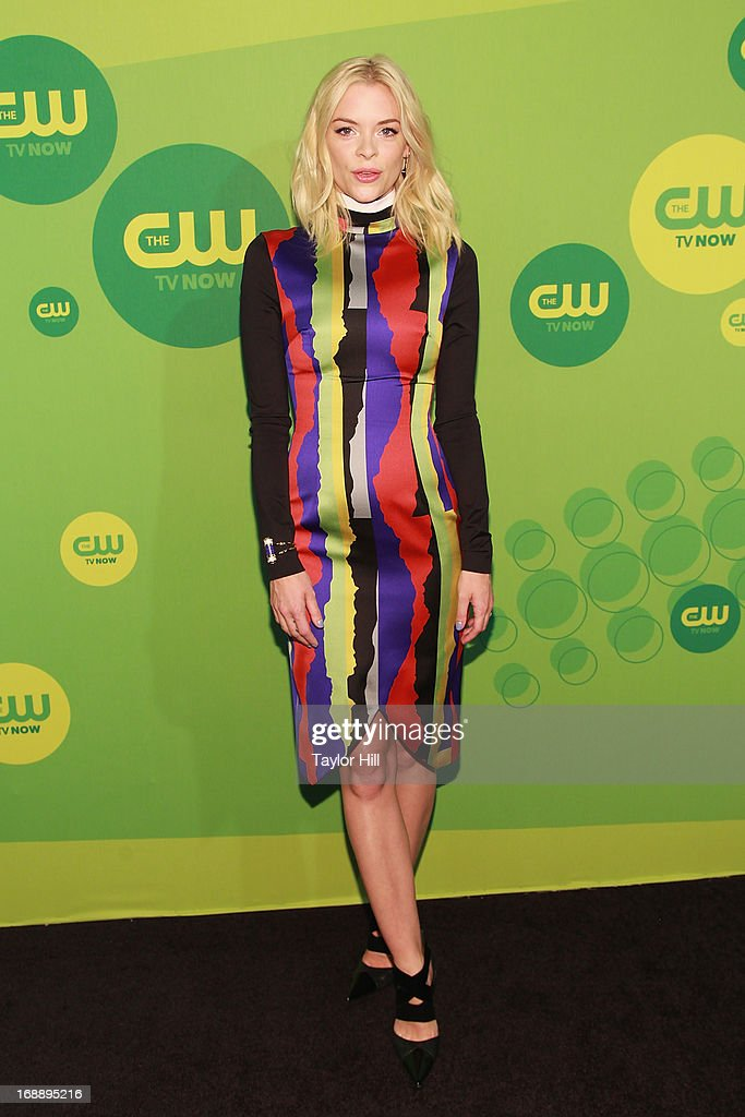 Actress <a gi-track='captionPersonalityLinkClicked' href=/galleries/search?phrase=Jaime+King+-+Actrice&family=editorial&specificpeople=206809 ng-click='$event.stopPropagation()'>Jaime King</a> attends The CW Network's New York 2013 Upfront Presentation at The London Hotel on May 16, 2013 in New York City.