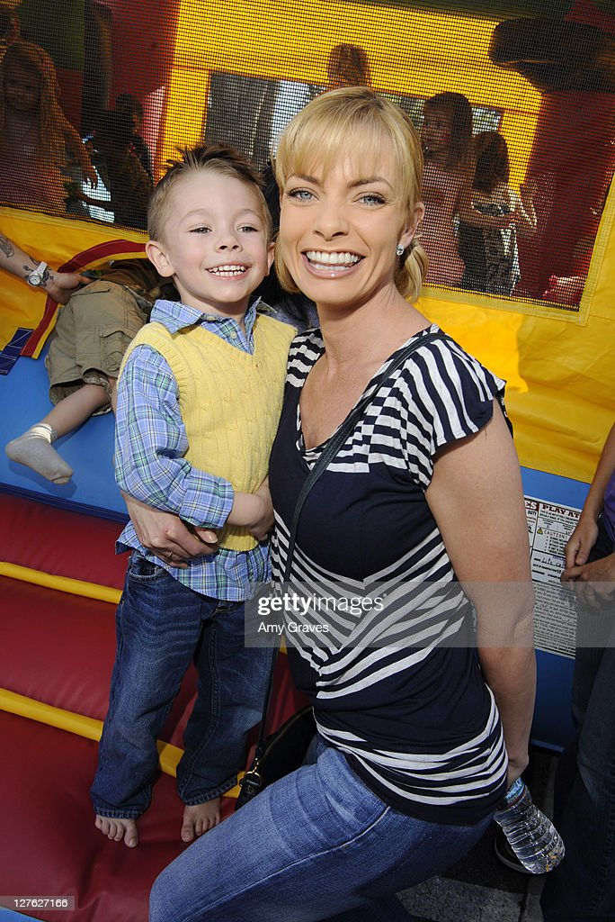 Actress <a gi-track='captionPersonalityLinkClicked' href=/galleries/search?phrase=Jaime+Pressly&family=editorial&specificpeople=211226 ng-click='$event.stopPropagation()'>Jaime Pressly</a> (R) and son Dezi Calvo attend the Sweet Harts 'Play Date' Launch Party Benefitting The Art of Elysium at Sweet Harts on March 5, 2011 in Sherman Oaks, California.