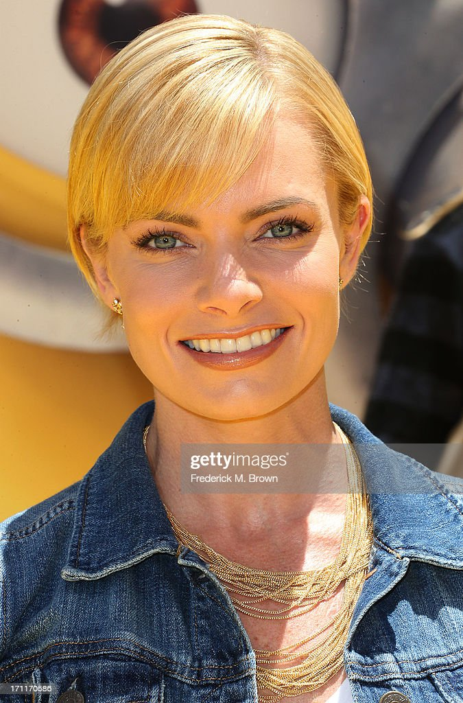 Actress <a gi-track='captionPersonalityLinkClicked' href=/galleries/search?phrase=Jaime+Pressly&family=editorial&specificpeople=211226 ng-click='$event.stopPropagation()'>Jaime Pressly</a> attends the premiere of Universal Pictures' 'Despicable Me 2' at the Gibson Amphitheatre on June 22, 2013 in Universal City, California.