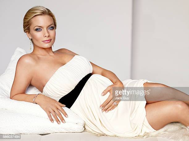 Actress Jaime Pressly is photographed for Redbook Magazine in 2007 in Los Angeles California PUBLISHED IMAGE