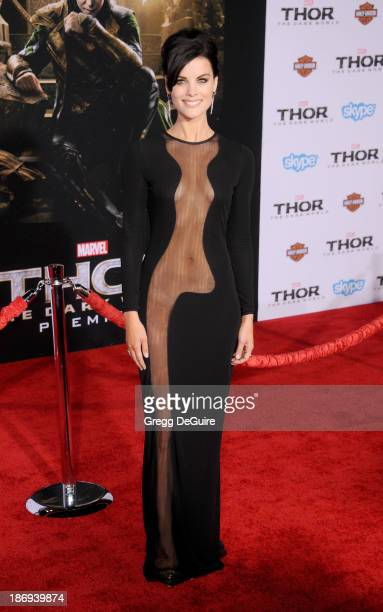 Actress Jaimie Alexander arrives at the Los Angeles premiere of 'Thor The Dark World' at the El Capitan Theatre on November 4 2013 in Hollywood...