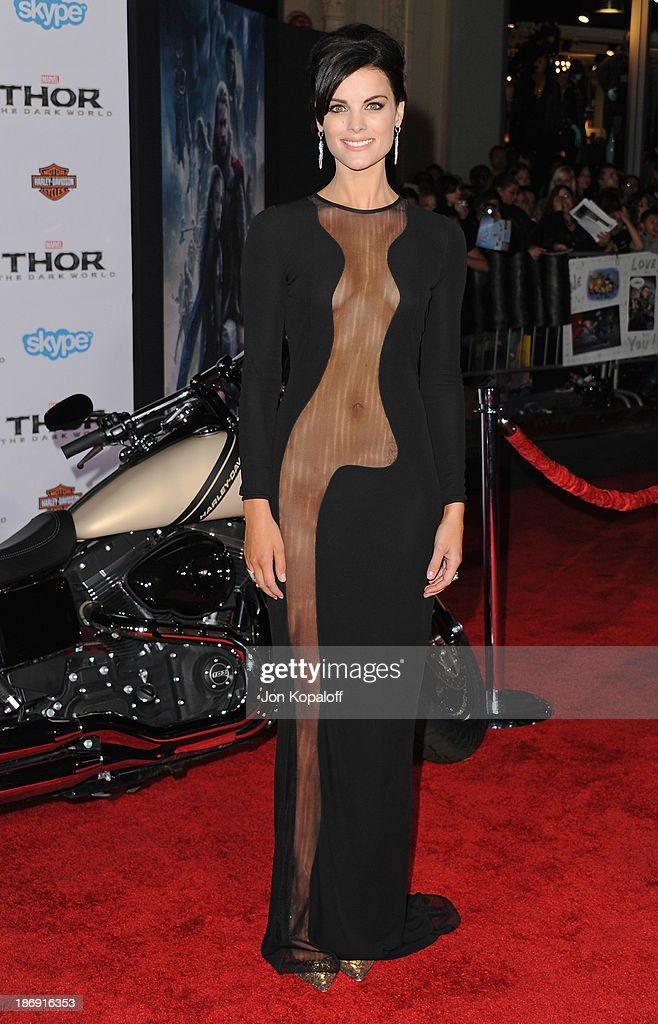 Actress Jaimie Alexander arrives at the Los Angeles Premiere 'Thor: The Dark World' at the El Capitan Theatre on November 4, 2013 in Hollywood, California.