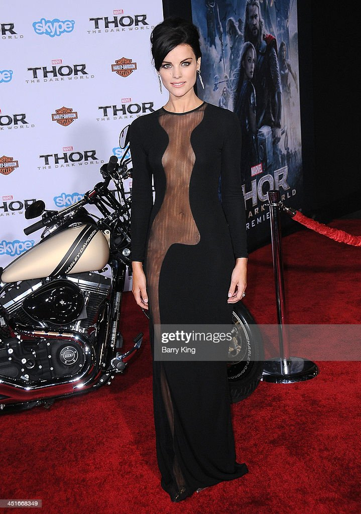 Actress <a gi-track='captionPersonalityLinkClicked' href=/galleries/search?phrase=Jaimie+Alexander&family=editorial&specificpeople=544496 ng-click='$event.stopPropagation()'>Jaimie Alexander</a> arrives at the Los Angeles Premiere 'Thor: The Dark World' on November 4, 2013 at the El Capitan Theatre in Hollywood, California.