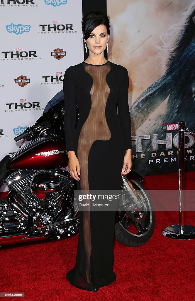 Actress <a gi-track='captionPersonalityLinkClicked' href=/galleries/search?phrase=Jaimie+Alexander&family=editorial&specificpeople=544496 ng-click='$event.stopPropagation()'>Jaimie Alexander</a> attends the premiere of Marvel's 'Thor: The Dark World' at the El Capitan Theatre on November 4, 2013 in Hollywood, California.