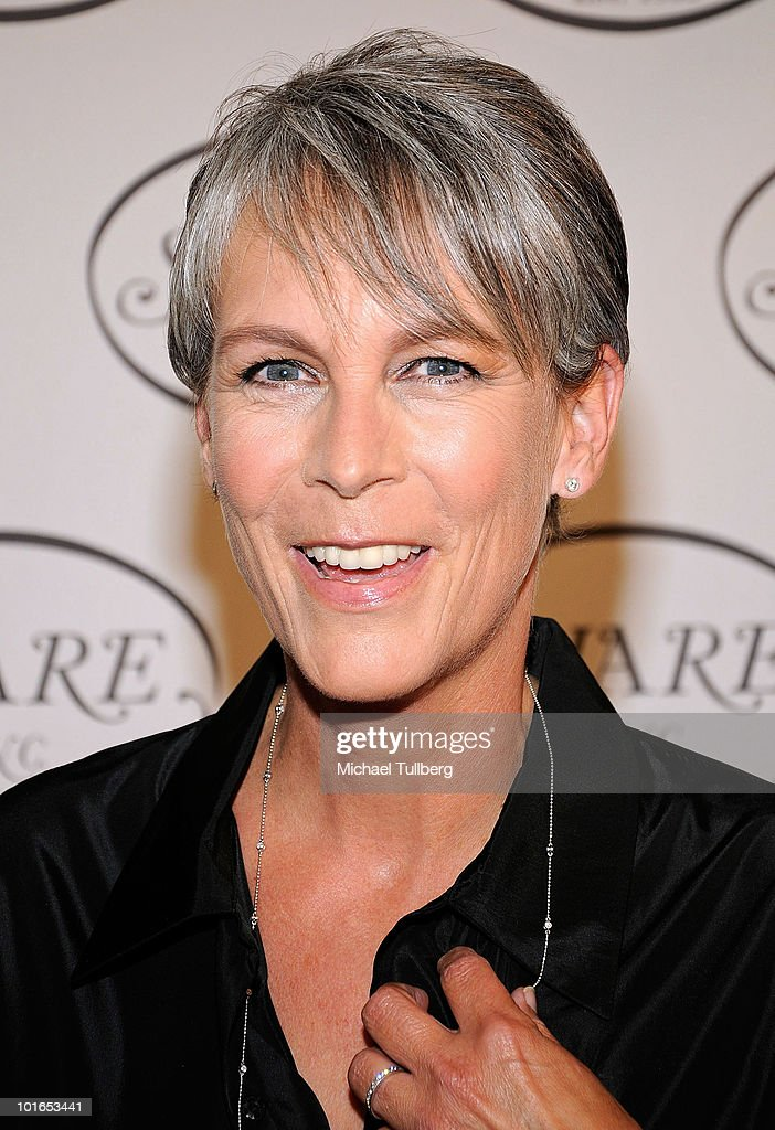 Actress Jamie Lee Curtis arrives st SHARE's 57th Annual BOOMTOWN Event to help at-risk youth held at the Santa Monica Civic Auditorium on June 5, 2010 in Santa Monica, California.