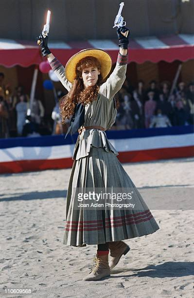 Actress Jamie Lee Curtis plays 'Annie Oakley' in the second episode of the Showtime series 'Shelly Duvall's Tall Tales' on August 8 1985 in Los...