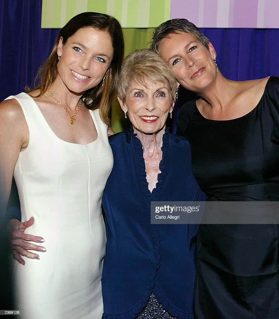 Actress Jamie Lee Curtis (R) poses with mother Janet Leigh (C) and sister Kelly Leigh (L) before the premiere of the film 'Freaky Friday' at the El Capitan theater August 4, 2003 in Hollywood, California.