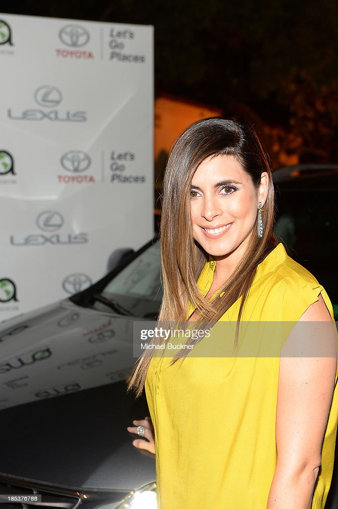 Actress Jamie Lynn Sigler arrives at the 23rd Annual Environmental Media Awards presented by Toyota and Lexus at Warner Bros. Studios on October 19, 2013 in Burbank, California.