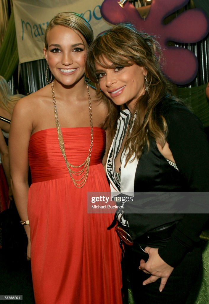 Actress Jamie Lynn Spears and American Idol judge Paula Abdul pose in the Distinctive Assets gift lounge during the 20th annual Kid's Choice Awards...
