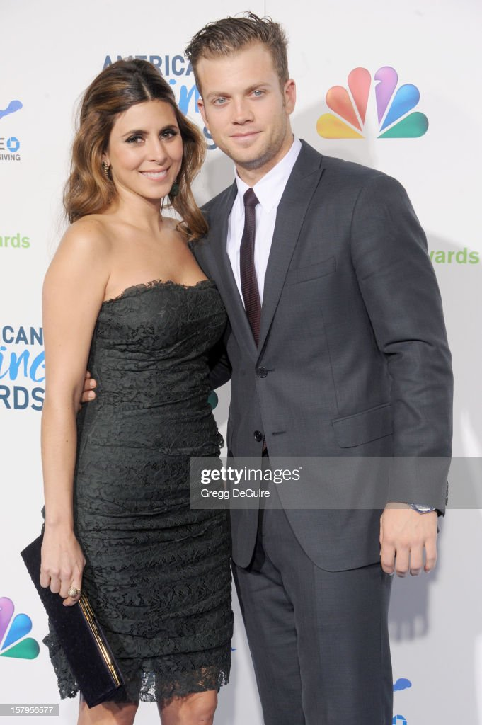 Actress Jamie-Lynn Sigler and baseball player Cutter Dykstra arrive at the 2nd Annual American Giving Awards at the Pasadena Civic Auditorium on December 7, 2012 in Pasadena, California.