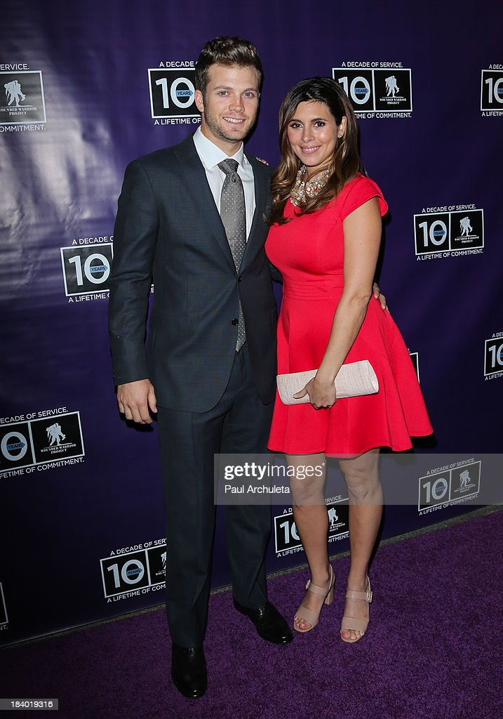 Actress <a gi-track='captionPersonalityLinkClicked' href=/galleries/search?phrase=Jamie-Lynn+Sigler&family=editorial&specificpeople=204494 ng-click='$event.stopPropagation()'>Jamie-Lynn Sigler</a> (R) and Cutter Dykstra (L) attend the Wounded Warrior Project's 'Carry Forward Awards' at Club Nokia on October 10, 2013 in Los Angeles, California.