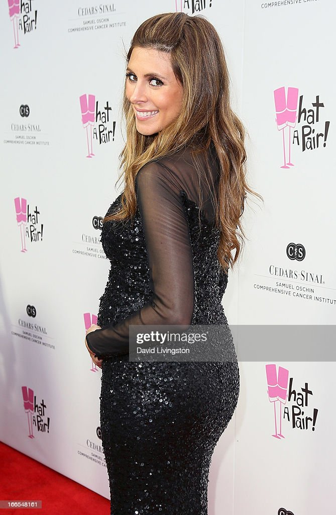 Actress Jamie-Lynn Sigler attends the 'What A Pair!' benefit concert at The Broad Stage on April 13, 2013 in Santa Monica, California.