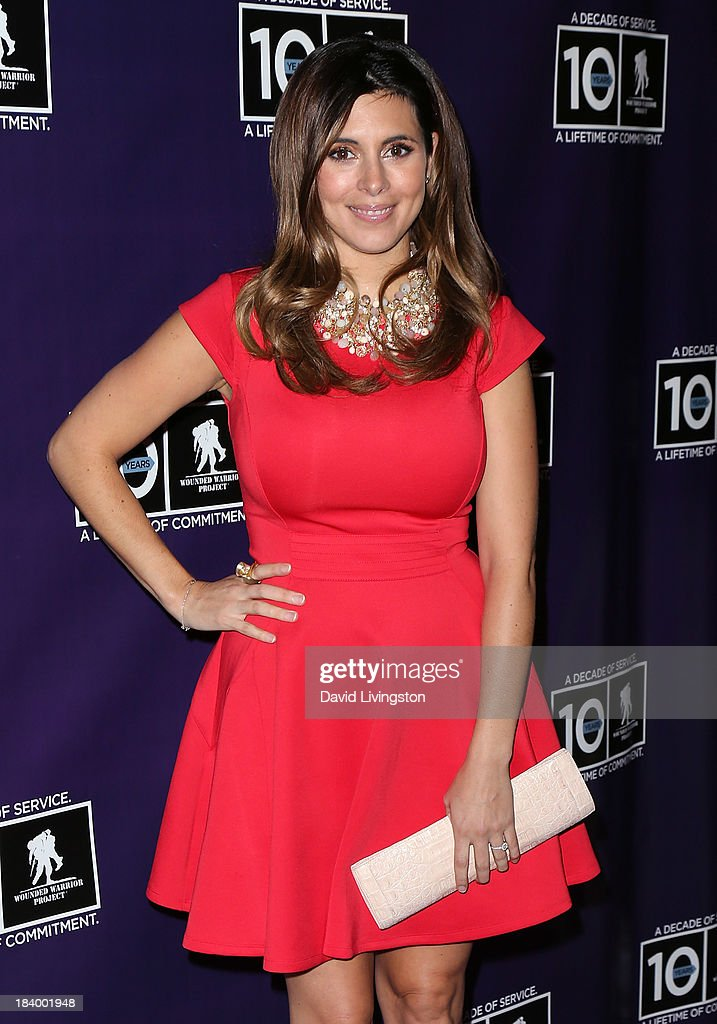 Actress <a gi-track='captionPersonalityLinkClicked' href=/galleries/search?phrase=Jamie-Lynn+Sigler&family=editorial&specificpeople=204494 ng-click='$event.stopPropagation()'>Jamie-Lynn Sigler</a> attends the Wounded Warrior Project's (WWP) Carry Forward Awards at Club Nokia on October 10, 2013 in Los Angeles, California.