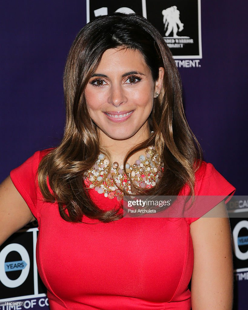 Actress <a gi-track='captionPersonalityLinkClicked' href=/galleries/search?phrase=Jamie-Lynn+Sigler&family=editorial&specificpeople=204494 ng-click='$event.stopPropagation()'>Jamie-Lynn Sigler</a> attends the Wounded Warrior Project's 'Carry Forward Awards' at Club Nokia on October 10, 2013 in Los Angeles, California.