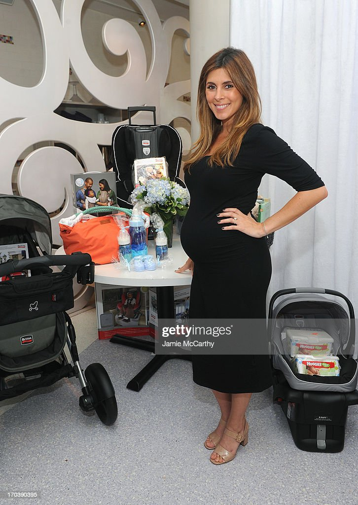 Actress <a gi-track='captionPersonalityLinkClicked' href=/galleries/search?phrase=Jamie-Lynn+Sigler&family=editorial&specificpeople=204494 ng-click='$event.stopPropagation()'>Jamie-Lynn Sigler</a> celebrates her baby shower benefitting Baby Buggy sponsored by Britax/BOB, Cloud B, Hanky Panky and Serena & Lily at Sugar And Plumm on June 12, 2013 in New York City.