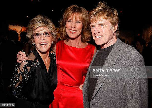 Actress Jane Fonda actress Christine Lahti and Sundance Institute President and Founder Robert Redford attend the 2008 Sundance gala dinner at...