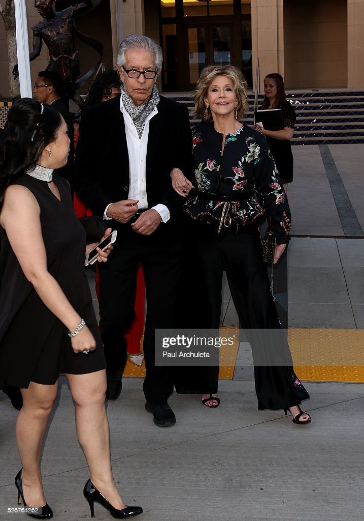 Actress Jane Fonda (R) and Music Producer Richard Perry (L) attend the Pasadena Playhouse Gala at The Pasadena Playhouse on April 30, 2016 in Pasadena, California.