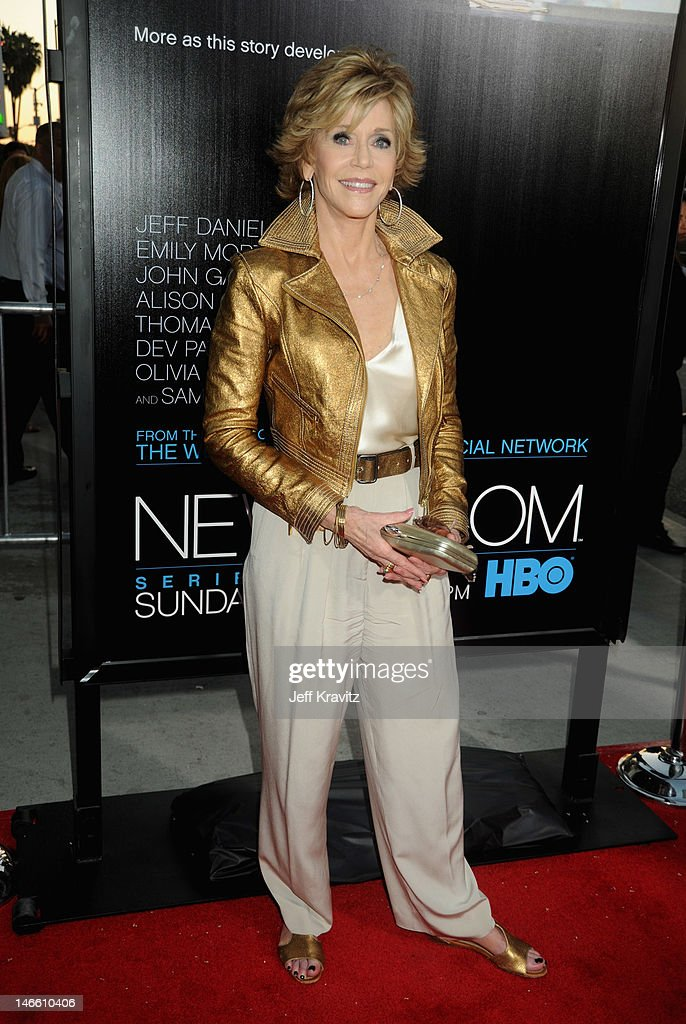 Actress <a gi-track='captionPersonalityLinkClicked' href=/galleries/search?phrase=Jane+Fonda&family=editorial&specificpeople=202174 ng-click='$event.stopPropagation()'>Jane Fonda</a> arrives at HBO's New Series 'Newsroom' Los Angeles Premiere at ArcLight Cinemas Cinerama Dome on June 20, 2012 in Hollywood, California.