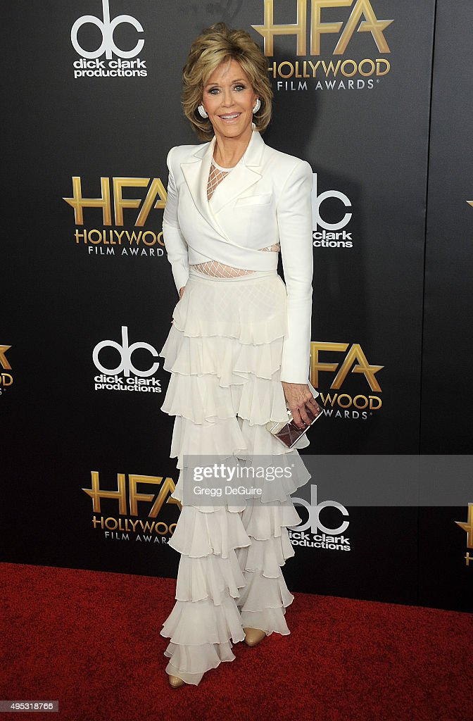 Actress <a gi-track='captionPersonalityLinkClicked' href=/galleries/search?phrase=Jane+Fonda&family=editorial&specificpeople=202174 ng-click='$event.stopPropagation()'>Jane Fonda</a> arrives at the 19th Annual Hollywood Film Awards at The Beverly Hilton Hotel on November 1, 2015 in Beverly Hills, California.