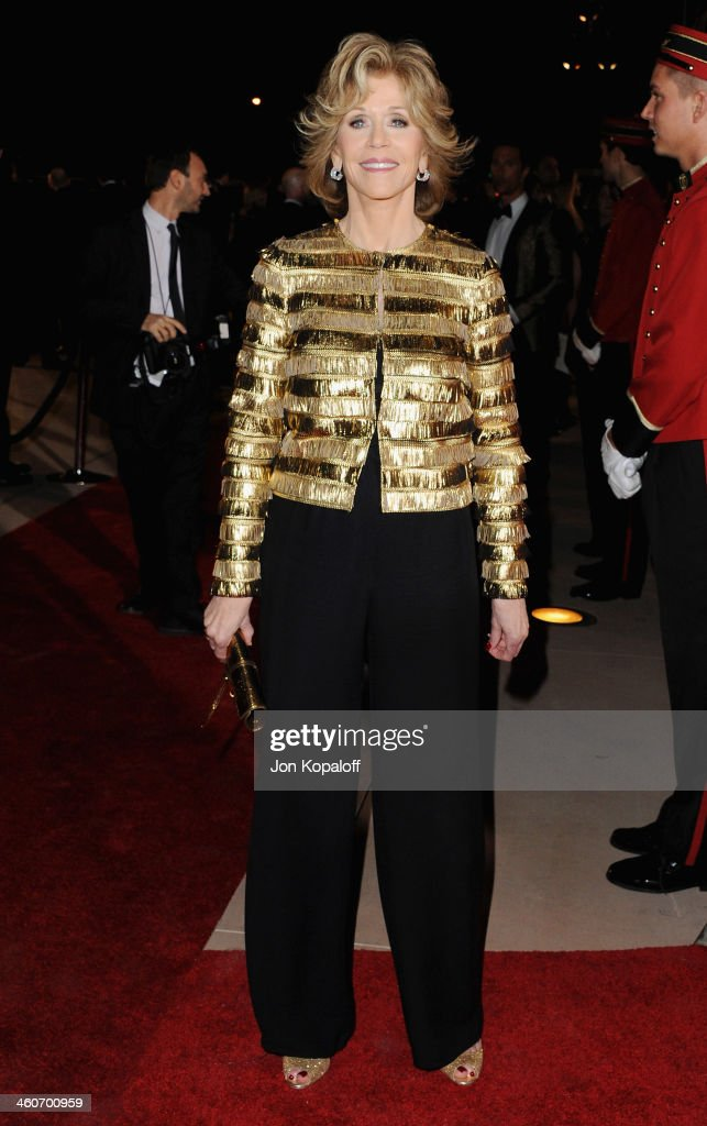 Actress <a gi-track='captionPersonalityLinkClicked' href=/galleries/search?phrase=Jane+Fonda&family=editorial&specificpeople=202174 ng-click='$event.stopPropagation()'>Jane Fonda</a> arrives at the 25th Annual Palm Springs International Film Festival Awards Gala at Palm Springs Convention Center on January 4, 2014 in Palm Springs, California.