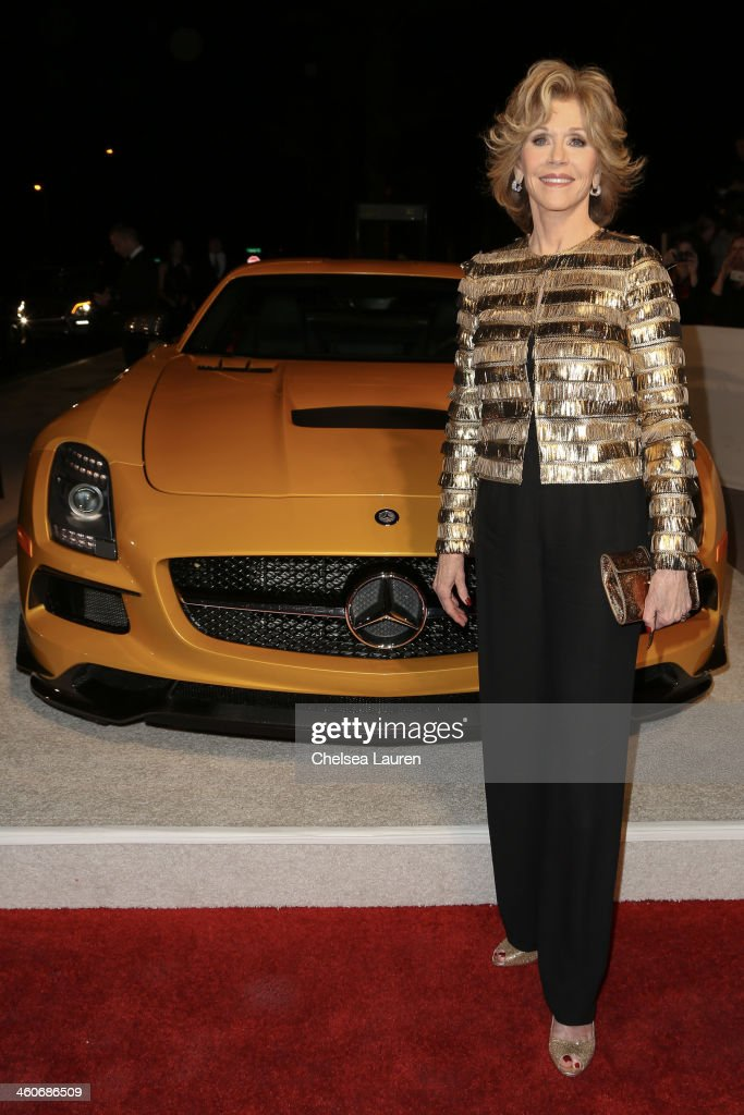 Actress <a gi-track='captionPersonalityLinkClicked' href=/galleries/search?phrase=Jane+Fonda&family=editorial&specificpeople=202174 ng-click='$event.stopPropagation()'>Jane Fonda</a> arrives in style during the Mercedes-Benz arrivals at the 25th Annual Palm Springs International Film Festival Awards Gala onJanuary 4, 2014 in Palm Springs, California.
