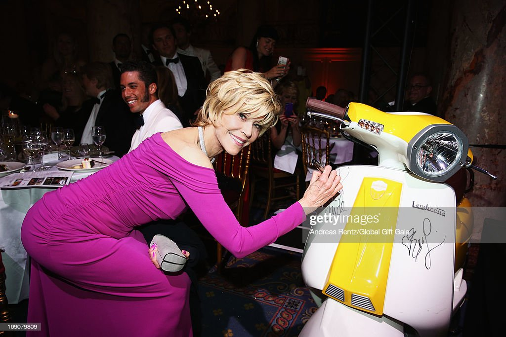 Actress Jane Fonda attends the 'Global Gift Gala' 2013 dinner and auction presented by Eva Longoria at Carlton Hotel on May 19, 2013 in Cannes, France.