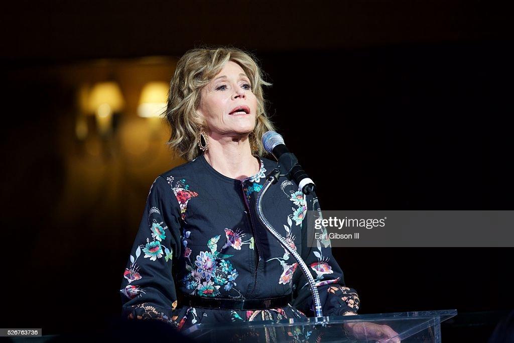 Actress Jane Fonda attends The Pasadena Playhouse Gala Honoring Jane Fonda and Richard Perry at Pasadena Playhouse on April 30, 2016 in Pasadena, California.