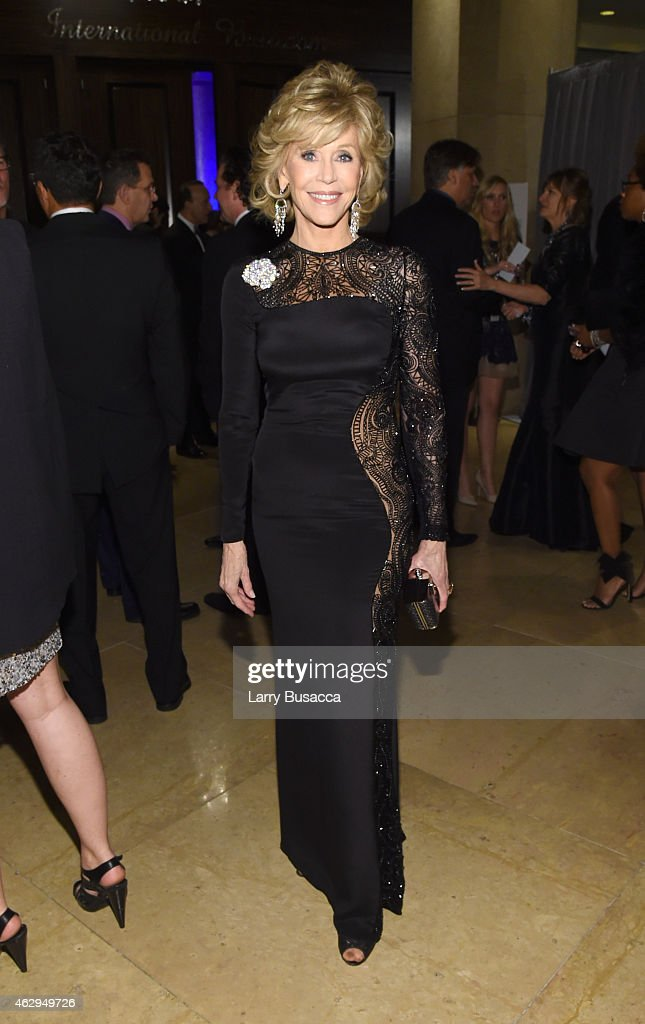 Actress <a gi-track='captionPersonalityLinkClicked' href=/galleries/search?phrase=Jane+Fonda&family=editorial&specificpeople=202174 ng-click='$event.stopPropagation()'>Jane Fonda</a> attends the Pre-GRAMMY Gala and Salute To Industry Icons honoring Martin Bandier on February 7, 2015 in Los Angeles, California.