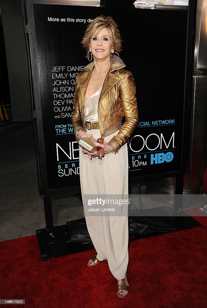 Actress <a gi-track='captionPersonalityLinkClicked' href=/galleries/search?phrase=Jane+Fonda&family=editorial&specificpeople=202174 ng-click='$event.stopPropagation()'>Jane Fonda</a> attends the premiere of HBO's 'Newsroom' at ArcLight Cinemas Cinerama Dome on June 20, 2012 in Hollywood, California.
