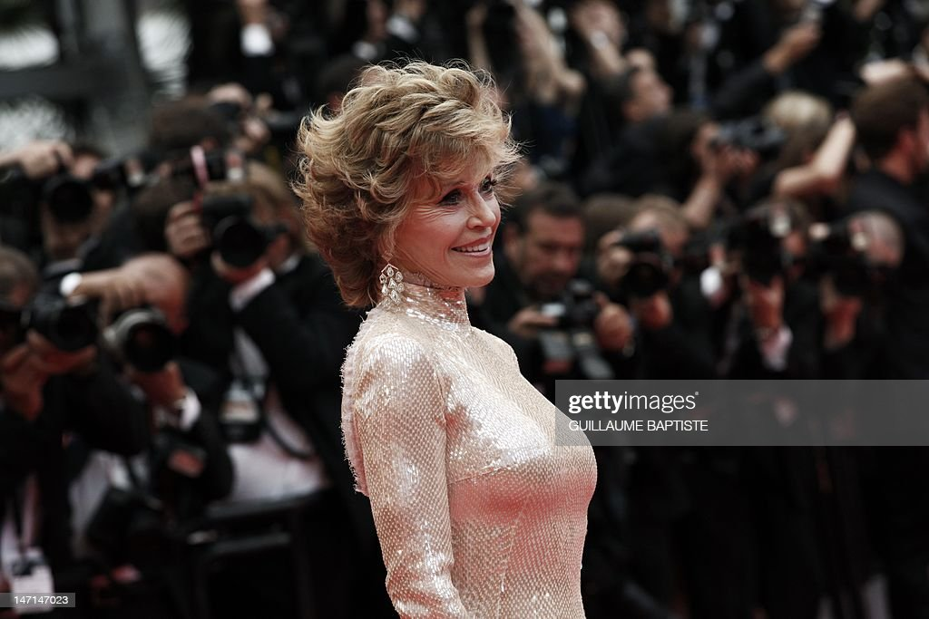 US actress Jane Fonda poses on the red carpet before the closing ceremony and the screening of 'Les Bien-Aimes' (Beloved) at the 64th Cannes Film Festival on May 22, 2011 in Cannes. AFP PHOTO / GUILLAUME BAPTISTE