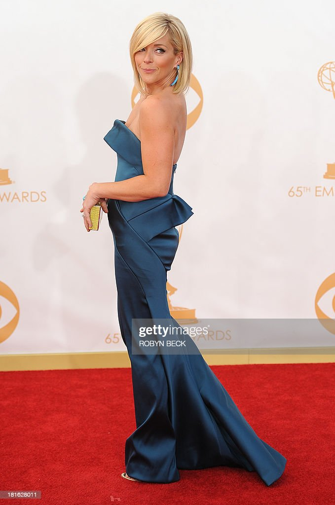 Actress Jane Krakowski arrives on the red carpet for the 65th Emmy Awards in Los Angeles, California, on September 22, 2013. AFP PHOTO / Robyn Beck