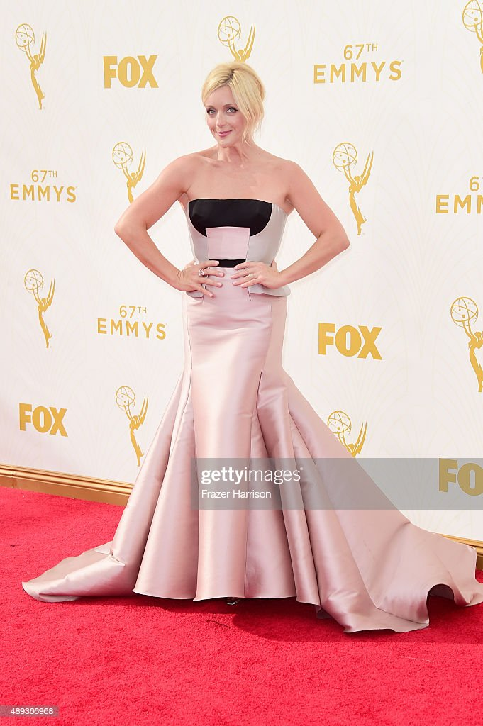 Actress <a gi-track='captionPersonalityLinkClicked' href=/galleries/search?phrase=Jane+Krakowski&family=editorial&specificpeople=203166 ng-click='$event.stopPropagation()'>Jane Krakowski</a> attends the 67th Annual Primetime Emmy Awards at Microsoft Theater on September 20, 2015 in Los Angeles, California.