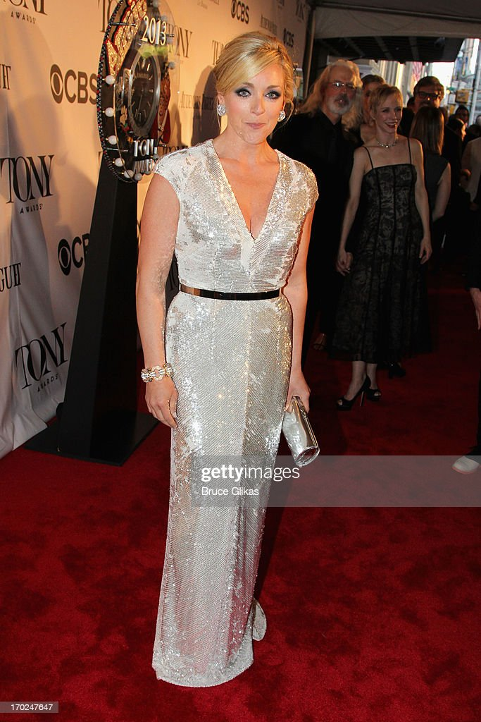 Actress <a gi-track='captionPersonalityLinkClicked' href=/galleries/search?phrase=Jane+Krakowski&family=editorial&specificpeople=203166 ng-click='$event.stopPropagation()'>Jane Krakowski</a> attends the 67th Annual Tony Awards at Radio City Music Hall on June 9, 2013 in New York City.