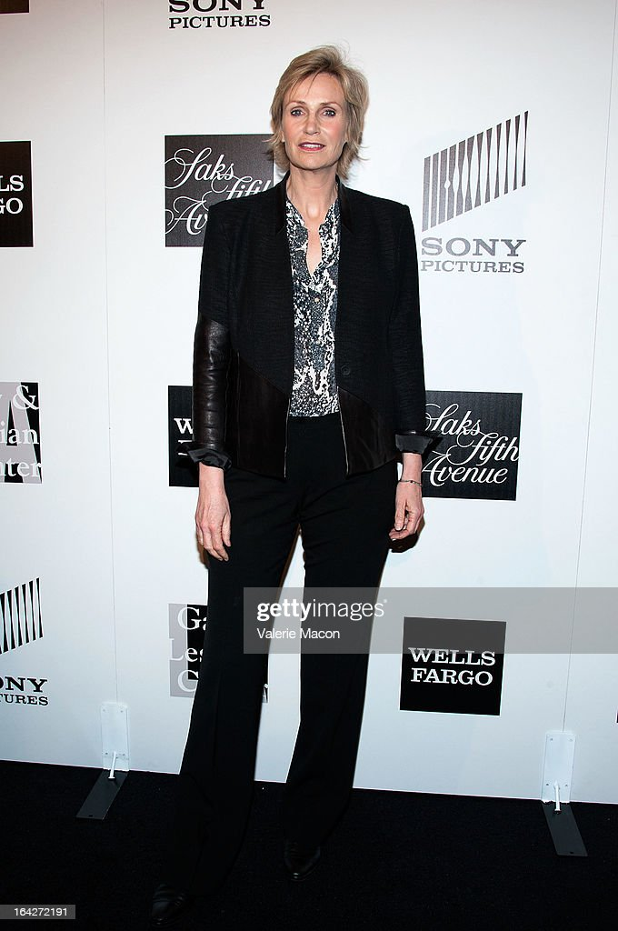 Actress Jane Lynch arrives at 'An Evening' Benefiting The L.A. Gay & Lesbian Center at the Beverly Wilshire Four Seasons Hotel on March 21, 2013 in Beverly Hills, California.