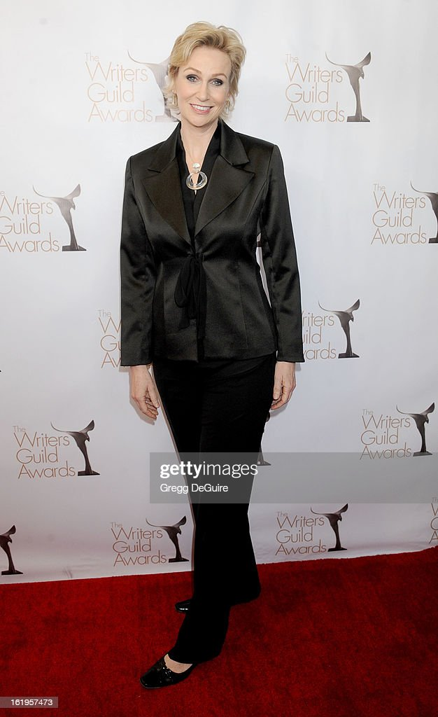 Actress <a gi-track='captionPersonalityLinkClicked' href=/galleries/search?phrase=Jane+Lynch&family=editorial&specificpeople=663918 ng-click='$event.stopPropagation()'>Jane Lynch</a> arrives at the 2013 Writers Guild Awards at JW Marriott Los Angeles at L.A. LIVE on February 17, 2013 in Los Angeles, California.