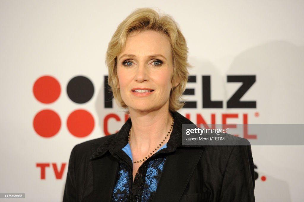 Actress <a gi-track='captionPersonalityLinkClicked' href=/galleries/search?phrase=Jane+Lynch&family=editorial&specificpeople=663918 ng-click='$event.stopPropagation()'>Jane Lynch</a> arrives at the Critics' Choice Television Awards at Beverly Hills Hotel on June 20, 2011 in Beverly Hills, California.