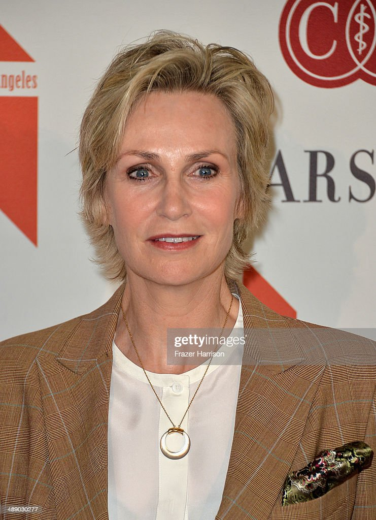 Actress <a gi-track='captionPersonalityLinkClicked' href=/galleries/search?phrase=Jane+Lynch&family=editorial&specificpeople=663918 ng-click='$event.stopPropagation()'>Jane Lynch</a> arrives at The Helping Hand of Los Angeles Mother's Day Luncheon at The Beverly Hilton Hotel on May 9, 2014 in Beverly Hills, California.