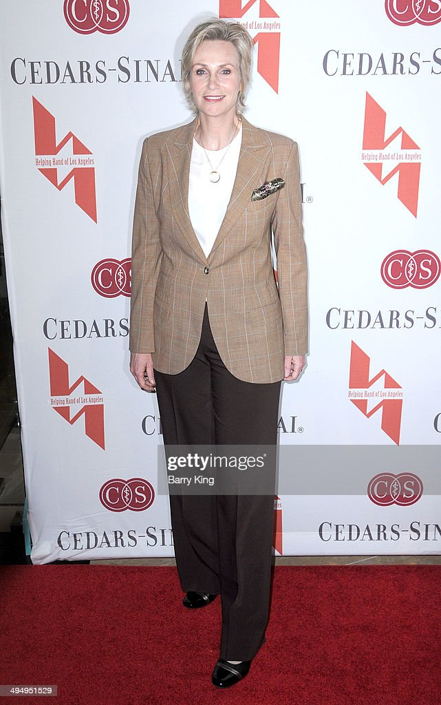 Actress <a gi-track='captionPersonalityLinkClicked' href=/galleries/search?phrase=Jane+Lynch&family=editorial&specificpeople=663918 ng-click='$event.stopPropagation()'>Jane Lynch</a> arrives at The Helping Hand Of Los Angeles Mother's Day Luncheon on May 9, 2014 at The Beverly Hilton Hotel in Beverly Hills, California.
