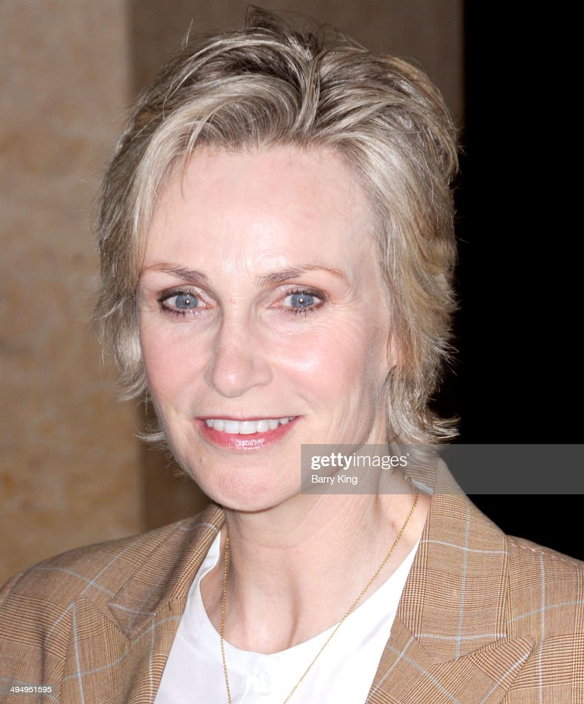 Actress Jane Lynch arrives at The Helping Hand Of Los Angeles Mother's Day Luncheon on May 9, 2014 at The Beverly Hilton Hotel in Beverly Hills, California.