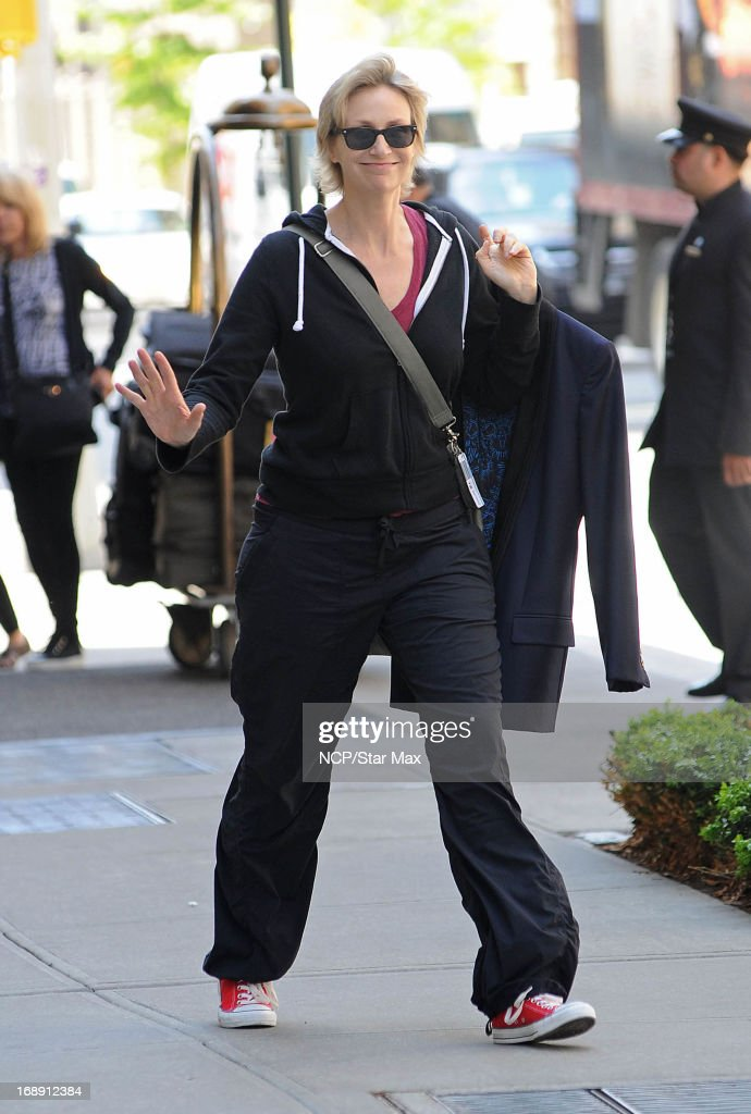 Actress <a gi-track='captionPersonalityLinkClicked' href=/galleries/search?phrase=Jane+Lynch&family=editorial&specificpeople=663918 ng-click='$event.stopPropagation()'>Jane Lynch</a> as seen on May 16, 2013 in New York City.