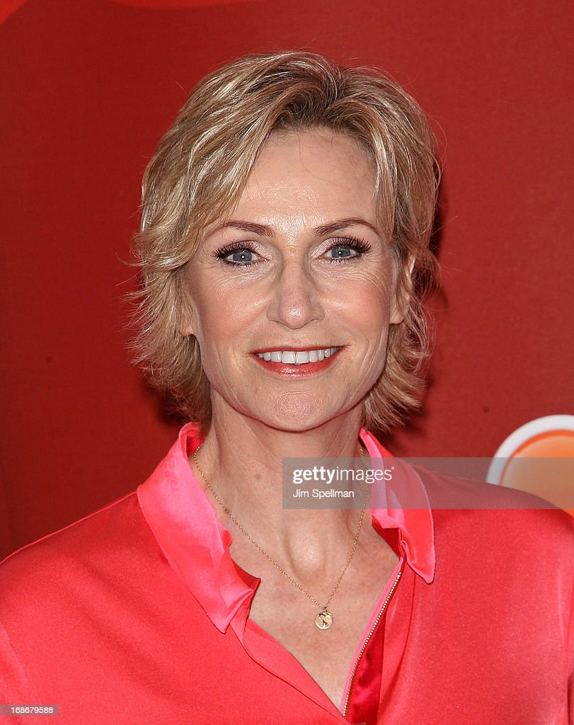 Actress <a gi-track='captionPersonalityLinkClicked' href=/galleries/search?phrase=Jane+Lynch&family=editorial&specificpeople=663918 ng-click='$event.stopPropagation()'>Jane Lynch</a> attends 2013 NBC Upfront Presentation Red Carpet Event at Radio City Music Hall on May 13, 2013 in New York City.