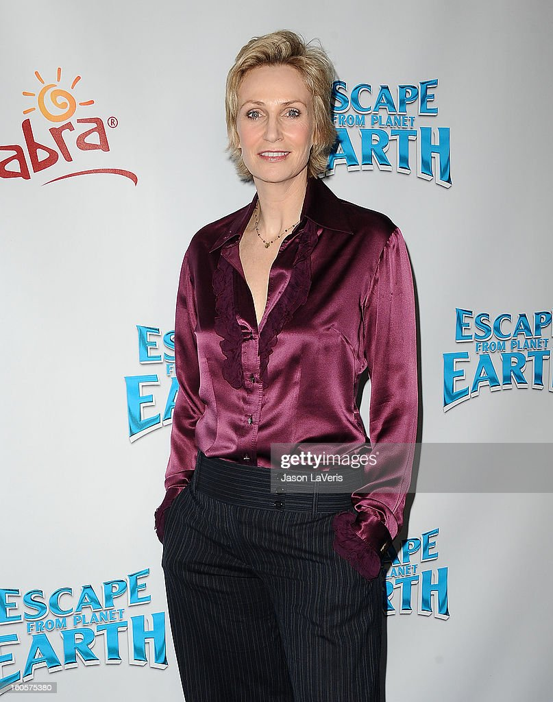 Actress <a gi-track='captionPersonalityLinkClicked' href=/galleries/search?phrase=Jane+Lynch&family=editorial&specificpeople=663918 ng-click='$event.stopPropagation()'>Jane Lynch</a> attends the premiere of 'Escape From Planet Earth' at Mann Chinese 6 on February 2, 2013 in Los Angeles, California.