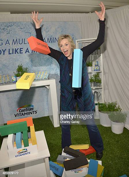 Actress Jane Lynch experiences new Centrum® VitaMints® a refreshing new way to get essential vitamins and minerals at EXTRA's 'WEEKEND OF | LOUNGE'...