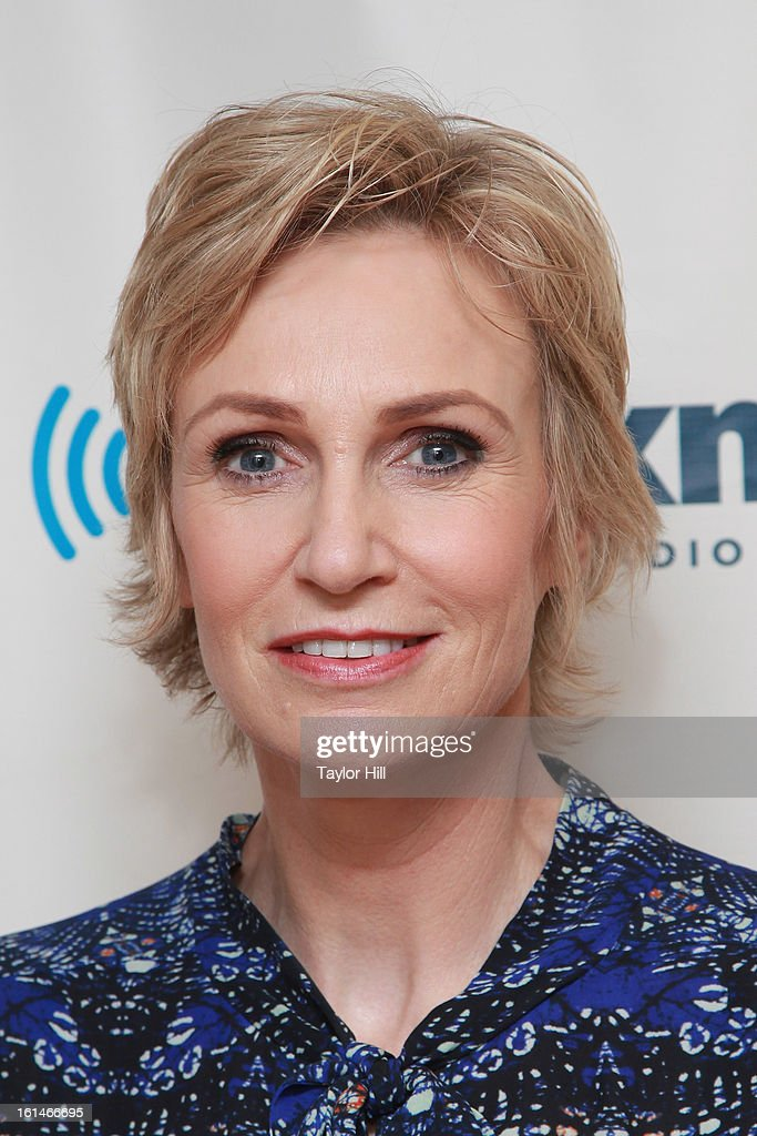 Actress <a gi-track='captionPersonalityLinkClicked' href=/galleries/search?phrase=Jane+Lynch&family=editorial&specificpeople=663918 ng-click='$event.stopPropagation()'>Jane Lynch</a> visits the SiriusXM Studios to promote 'Escape from Planet Earth' on February 11, 2013 in New York City.