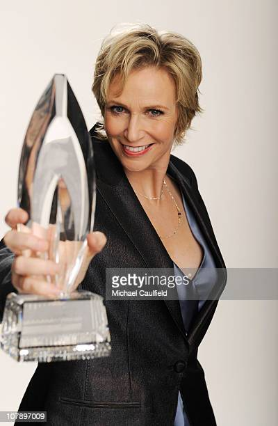Actress Jane Lynch winner of the Favorite TV Comedy award for 'Glee' poses for a portrait during the 2011 People's Choice Awards at Nokia Theatre LA...