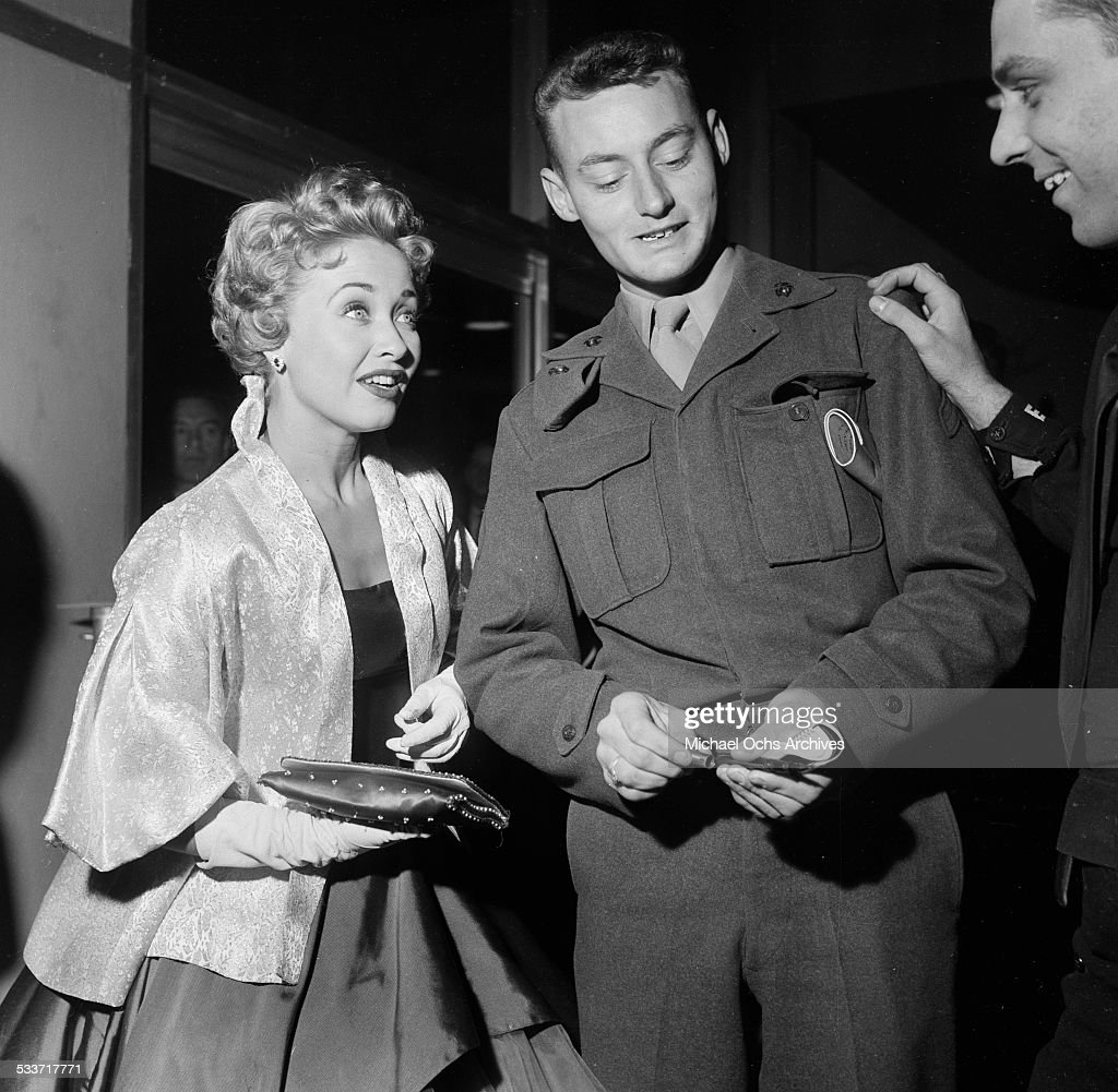 Actress Jane Powell greets fans during the premiere of 'Knights of the Round Table' in Los AngelesCA