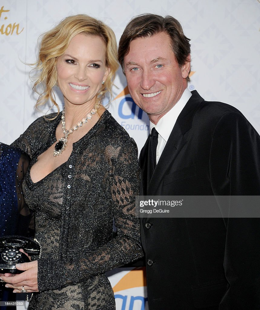 Actress Janet Jones Gretzky and Wayne Gretzky attend the 10th Annual Alfred Mann Foundation Gala at 9900 Wilshire Blvd on October 13, 2013 in Beverly Hills, California.